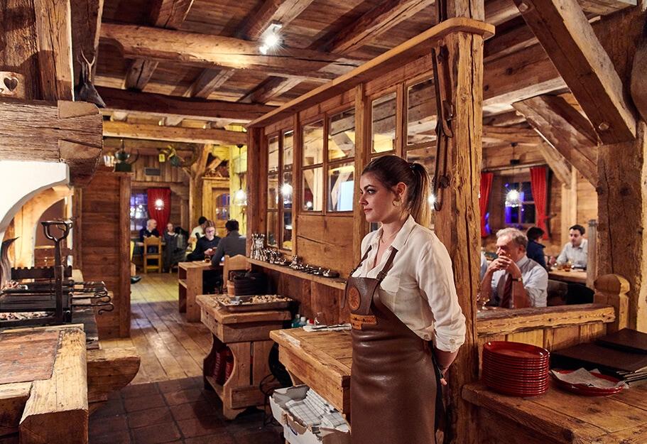 EDRH-Restaurant-Taberne-Mont-D-Arbois-Diner-Interieur