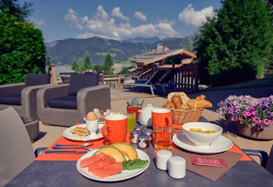 edrh-Hotel-la-ferme-du-golf-petit-dejeuner